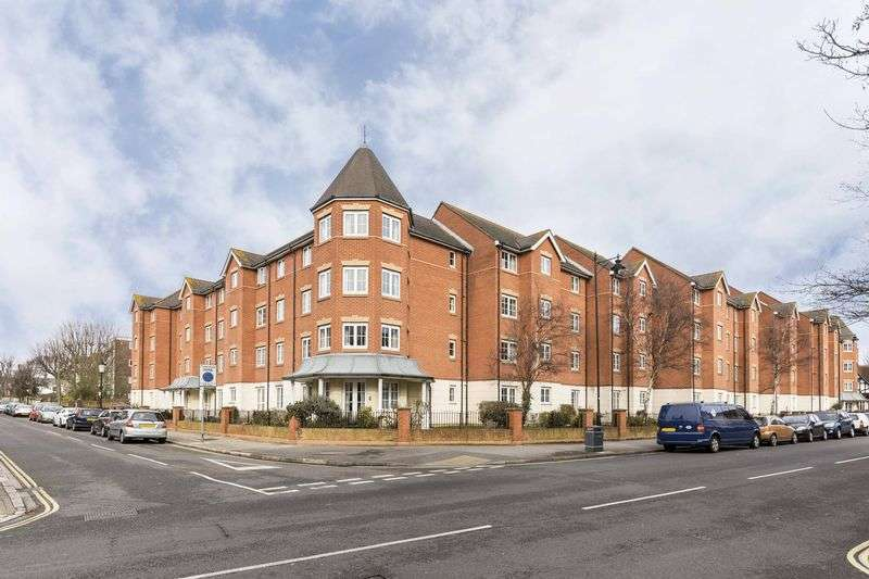 2 Bedrooms Retirement Property for sale in Holmbush Court, Queens Crescent, Southsea