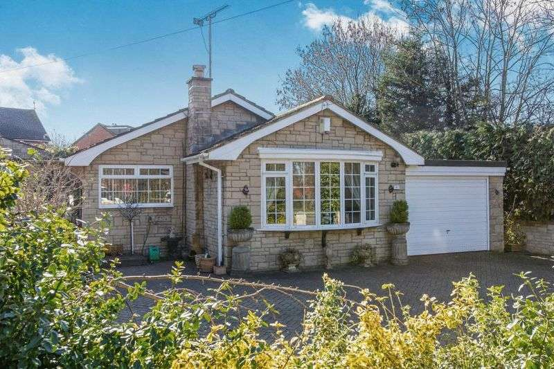 2 Bedrooms Bungalow for sale in Cheltenham