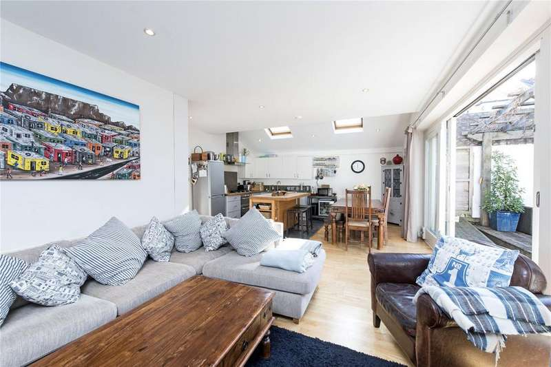 2 Bedrooms Flat for sale in Mayford Road, Nightingale Triangle, London, SW12
