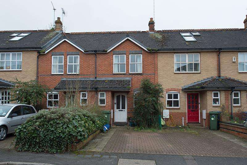 2 Bedrooms Terraced House for sale in Cave Street, St. Clements, Oxford