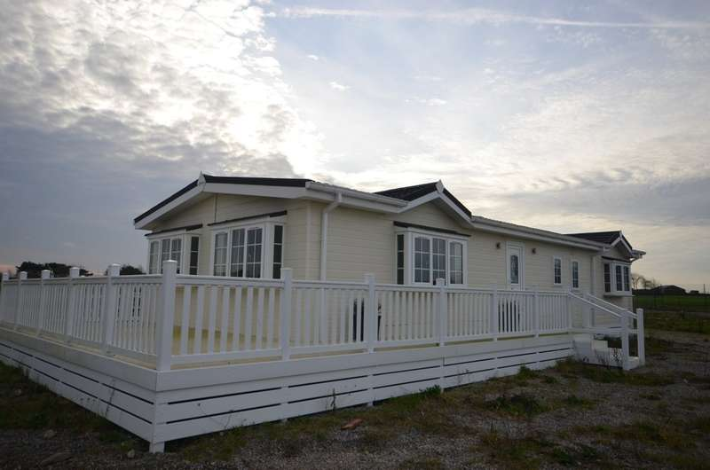 2 Bedrooms Mobile Home for sale in Merryn Heights, St. Merryn