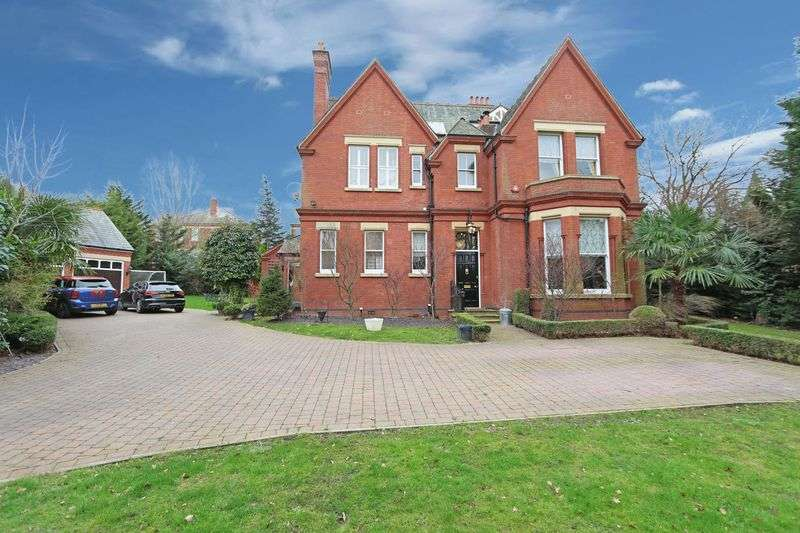 6 Bedrooms Detached House for sale in Clarence Gate, Woodford Green