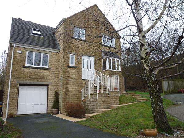 3 Bedrooms Detached House for sale in Banks Road, Linthwaite, Huddersfield