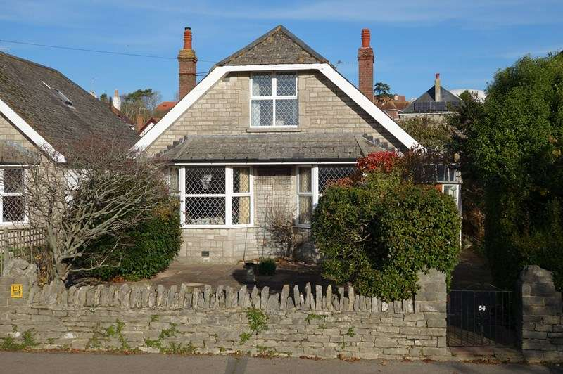 3 Bedrooms Bungalow for sale in Victoria Avenue, Swanage