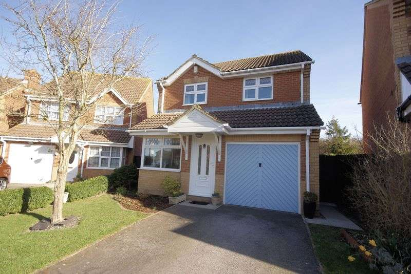 3 Bedrooms Detached House for sale in Fieldhouse Drive, Lee-On-The-Solent