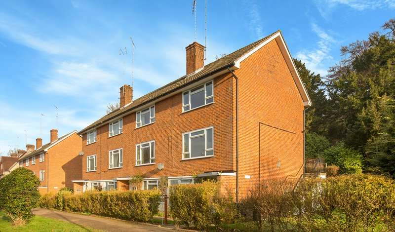 1 Bedroom Flat for sale in Lower Barn Road, Purley, CR8 1HR