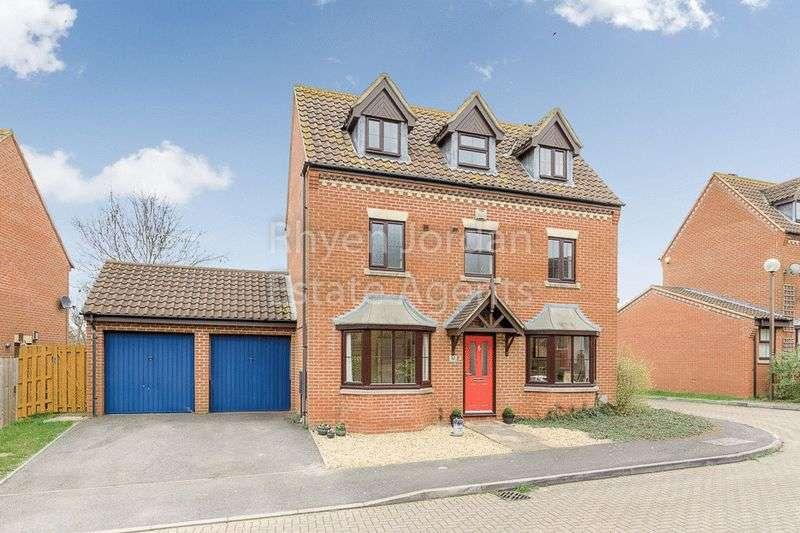 4 Bedrooms Detached House for sale in Nuneham Grove, Milton Keynes