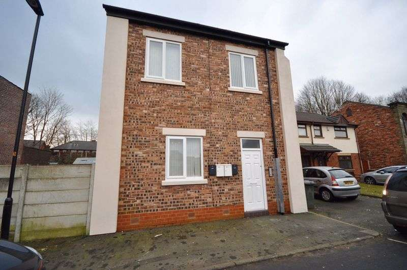 1 Bedroom Flat for sale in Hornby Street, Heywood