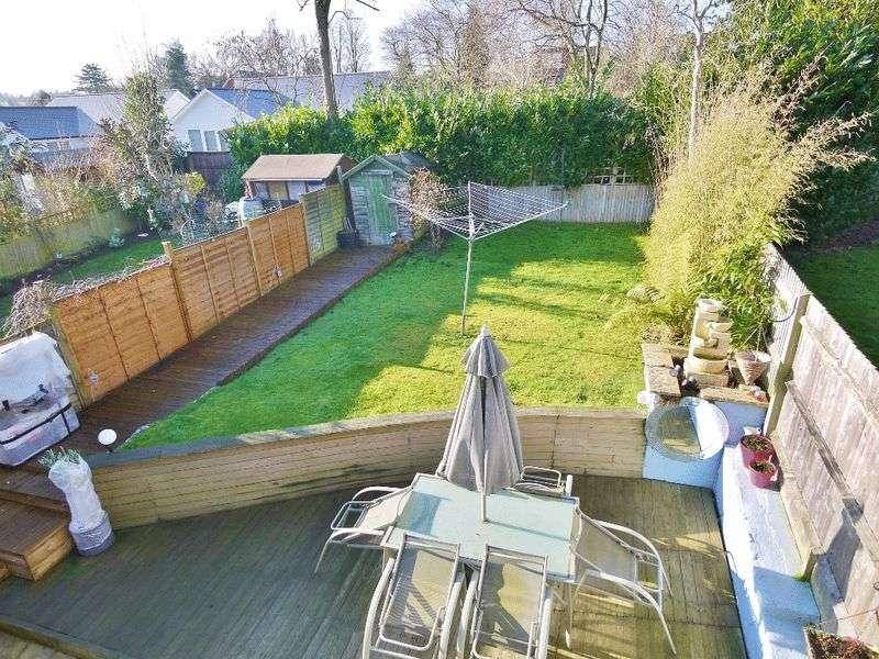 4 Bedrooms Semi Detached House for sale in Heskett Park, Pembury