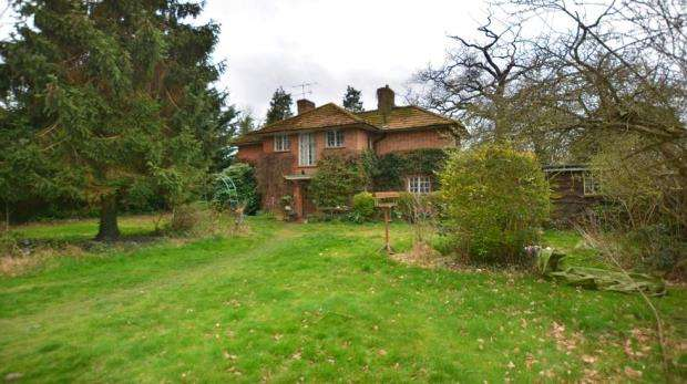 3 Bedrooms Detached House for sale in Church Lane, Wexham, Slough