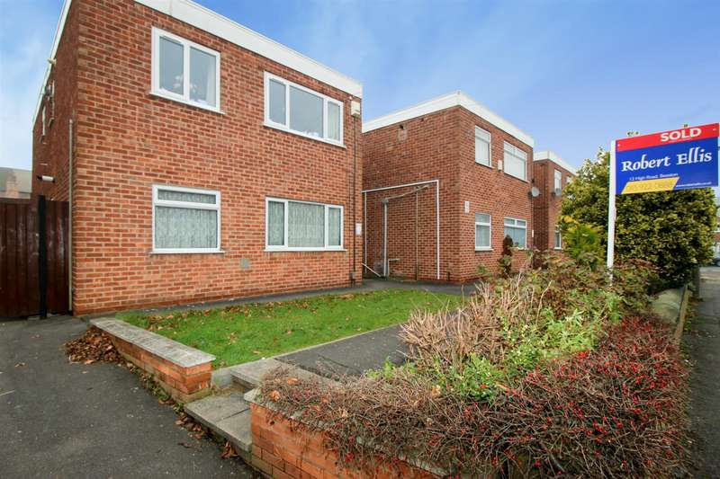 2 Bedrooms Flat for sale in Rylands Court, Barton Street, Beeston