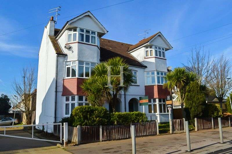 1 Bedroom Flat for sale in Sutton Road, Southend-On-Sea, Essex, SS2