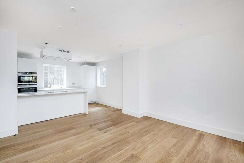 3 Bedrooms Flat for sale in Cavendish Road, SW12