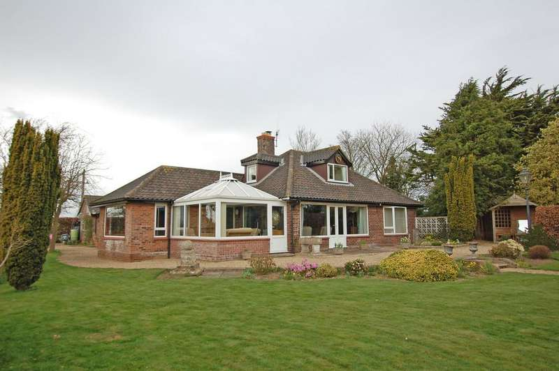 4 Bedrooms Chalet House for sale in Hungate Lane, Aylsham