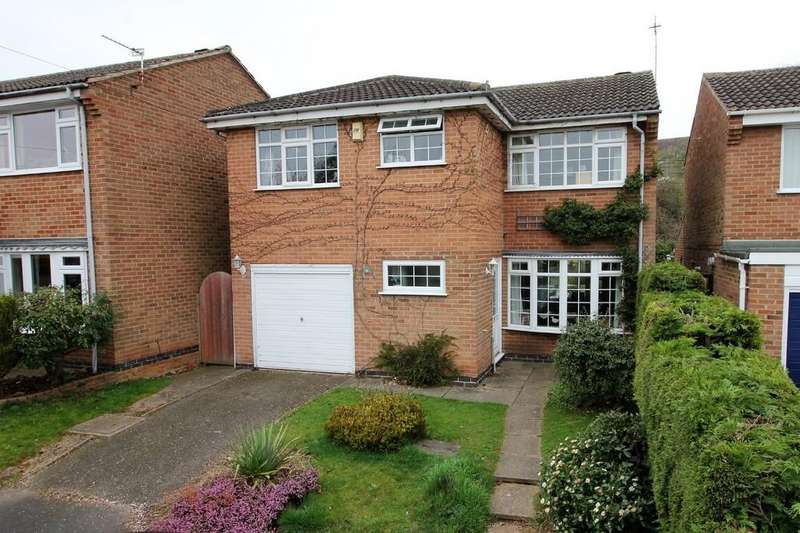 4 Bedrooms Detached House for sale in Exeter Close, East Leake