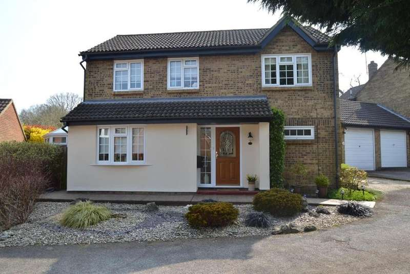 4 Bedrooms Detached House for sale in Gainsborough Close, Billericay, Essex, CM11