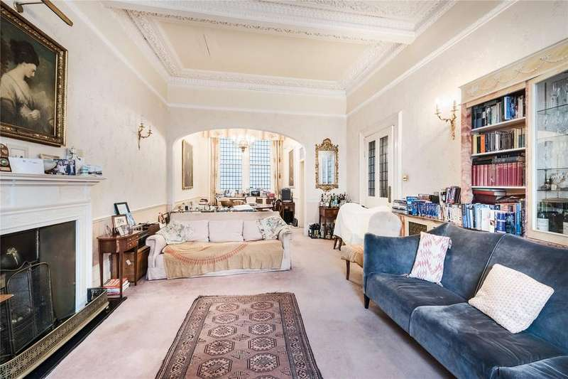 3 Bedrooms Flat for sale in Emperors Gate, South Kensington, London