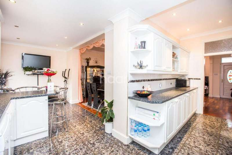 3 Bedrooms Terraced House for sale in Callard Avenue, Palmers Green, N13