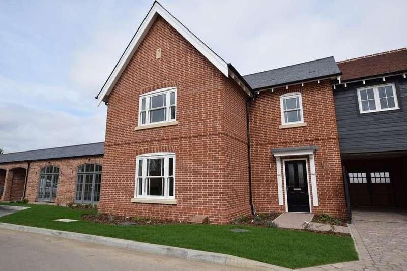 4 Bedrooms Semi Detached House for sale in Dedham
