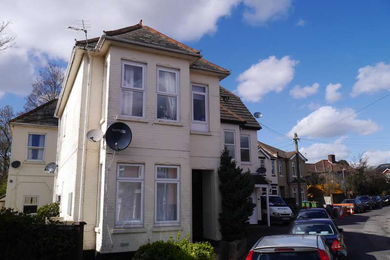 2 Bedrooms Ground Flat for sale in West Road, Woolston