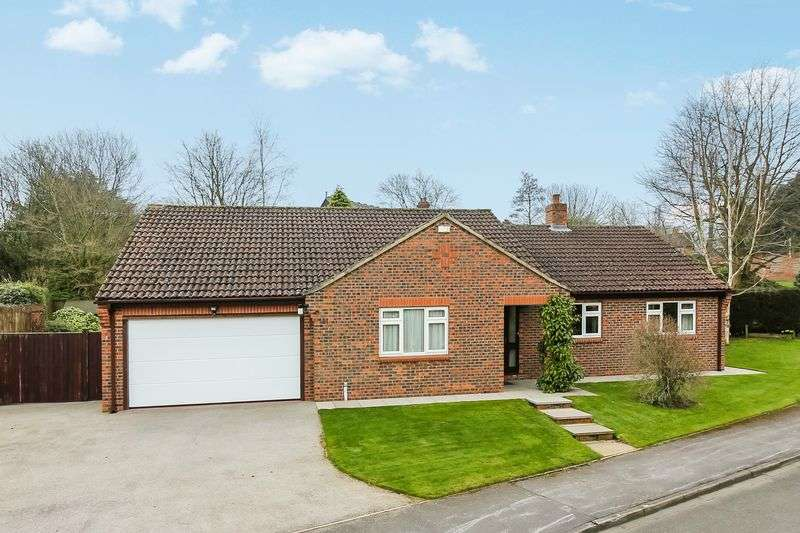 3 Bedrooms Detached Bungalow for sale in Kings Mead, Ripon