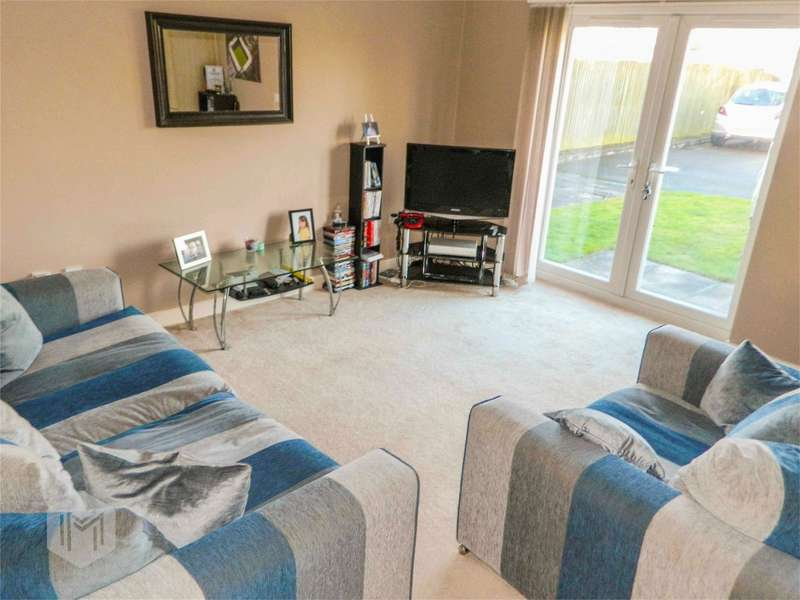 2 Bedrooms Flat for sale in Grasmere Drive, Bury, Lancashire