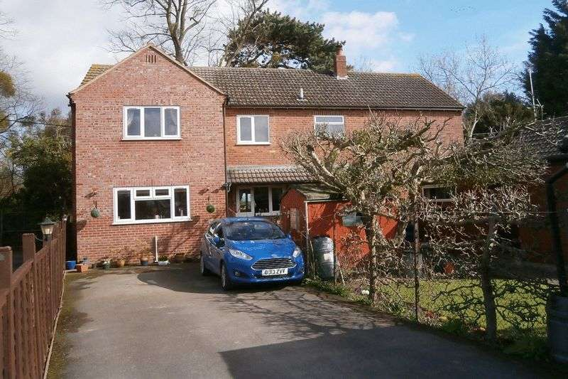 6 Bedrooms Detached House for sale in Old Tewkesbury Road, Gloucester