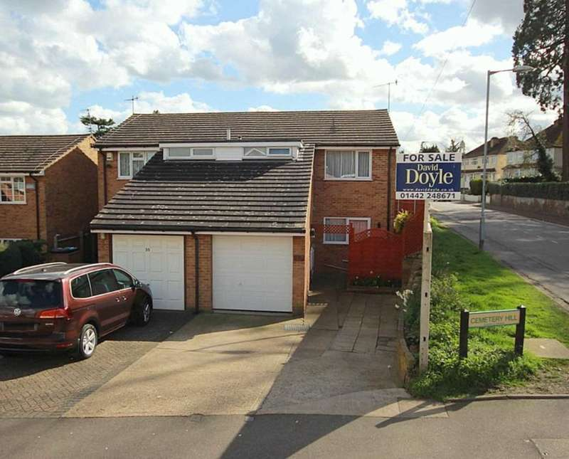 3 Bedrooms Semi Detached House for sale in 3 BED SEMI DETACHED FAMILY HOME IN Cemetery Hill, Boxmoor