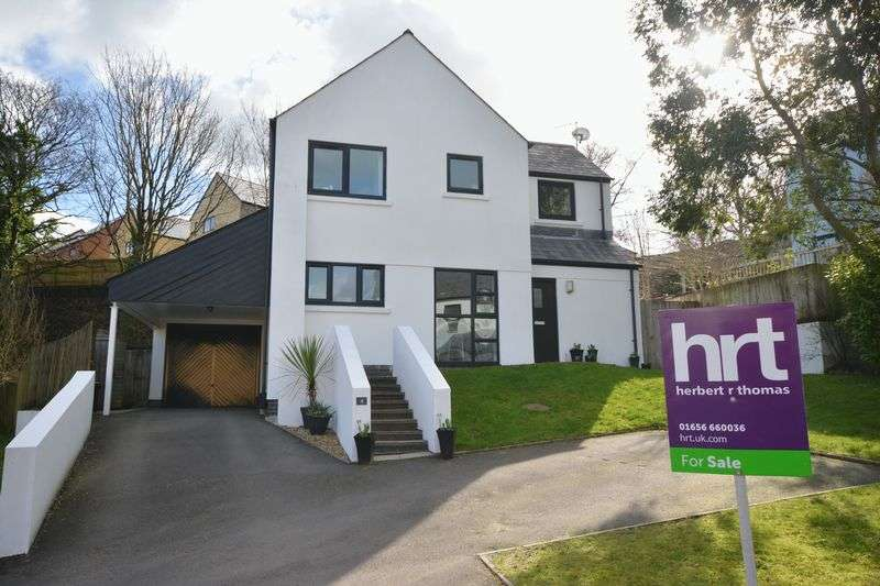 4 Bedrooms Detached House for sale in Duffryn Oaks Drive, Bridgend
