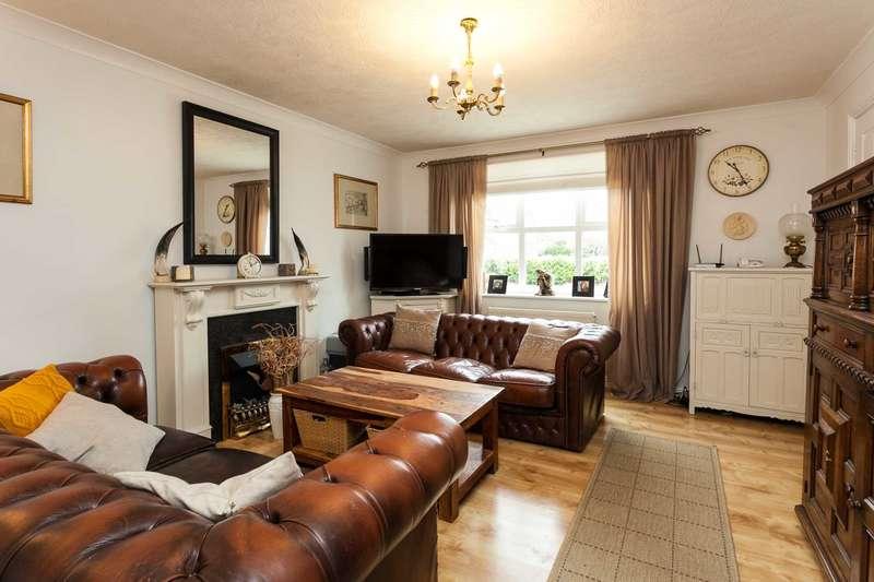 4 Bedrooms Semi Detached House for sale in Primrose Copse, Horsham