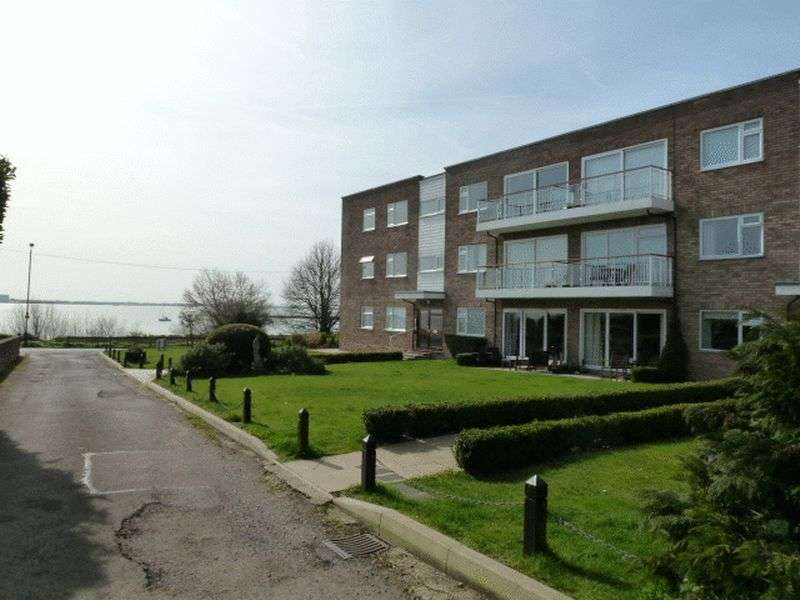 2 Bedrooms Flat for sale in Coast Road, West Mersea