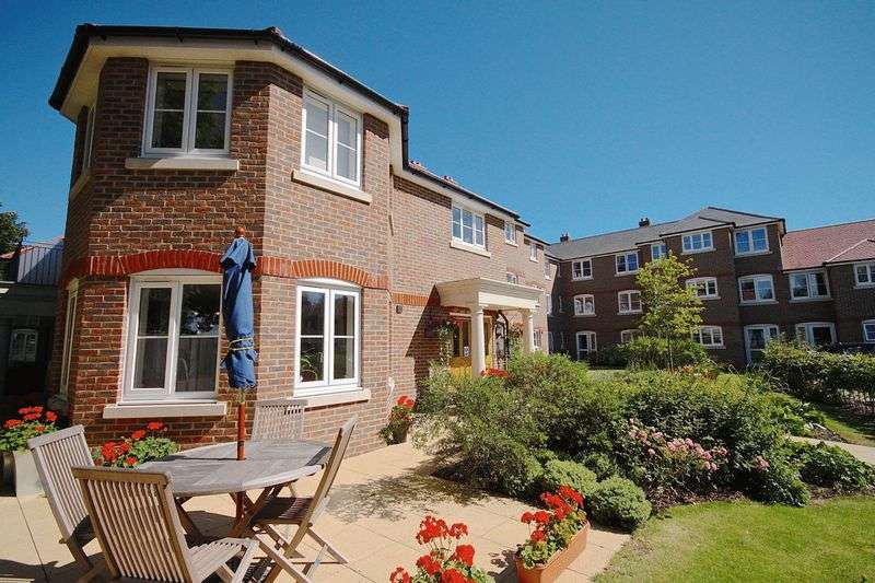1 Bedroom Flat for sale in Barnes Lodge, Dorchester, DT1