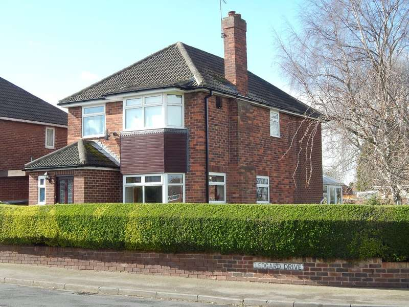4 Bedrooms Detached House for sale in Ledgard Drive, Durkar, Wakefield