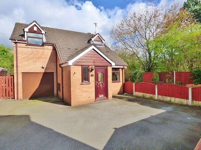 3 Bedrooms Detached House for sale in Tasman Close, Old Hall, Warrington