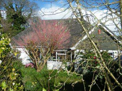 4 Bedrooms Bungalow for sale in Mawnan Smith, Falmouth, Cornwall