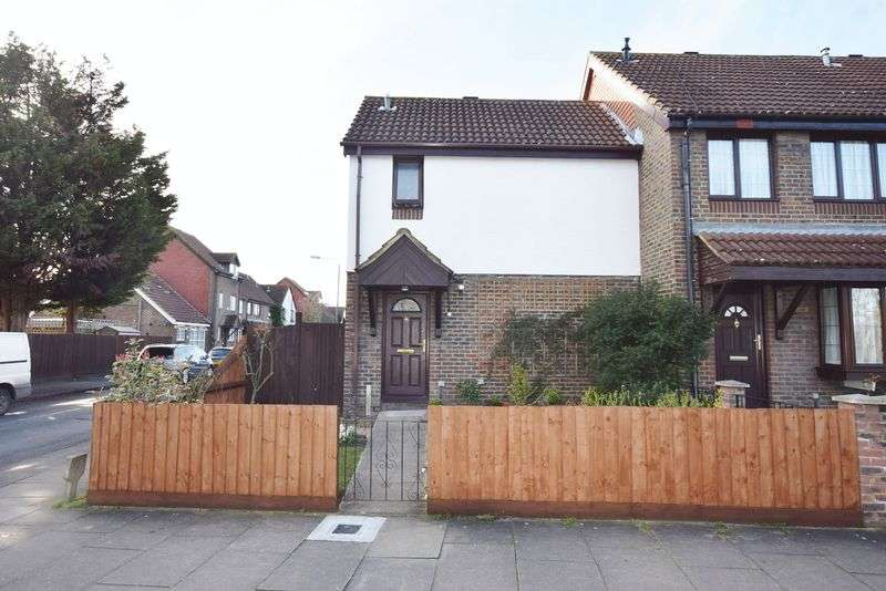 2 Bedrooms Terraced House for sale in Goldfinch Road, West Thamesmead