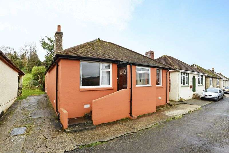 2 Bedrooms Detached Bungalow for sale in Macville Avenue, Wool, BH20.