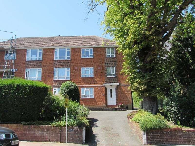 3 Bedrooms Flat for sale in Park Hill Road, Bromley