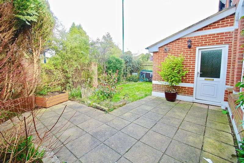 1 Bedroom Flat for sale in Rushton Crescent, Meyrick Park, Bournemouth