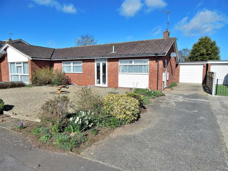 2 Bedrooms Semi Detached Bungalow for sale in Grovelands, Ingoldisthorpe, King's Lynn
