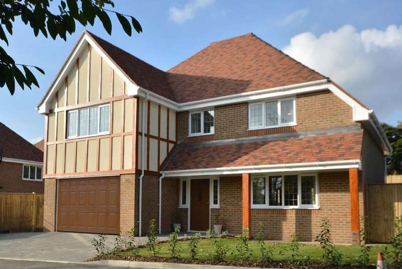 4 Bedrooms Detached House for sale in The Ridge West, St. Leonards-On-Sea