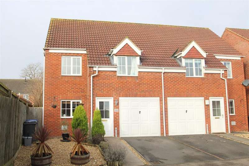 3 Bedrooms Semi Detached House for sale in Chapmans Drive, Old Stratford, Milton Keynes