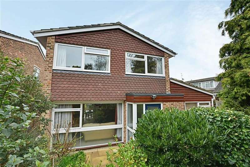 5 Bedrooms Detached House for sale in Beechwood Close, Hertford, Herts, SG13