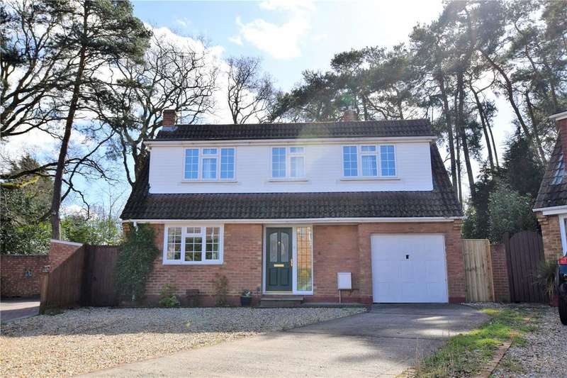 3 Bedrooms Detached House for sale in Warren Close, Burghfield Common, RG7