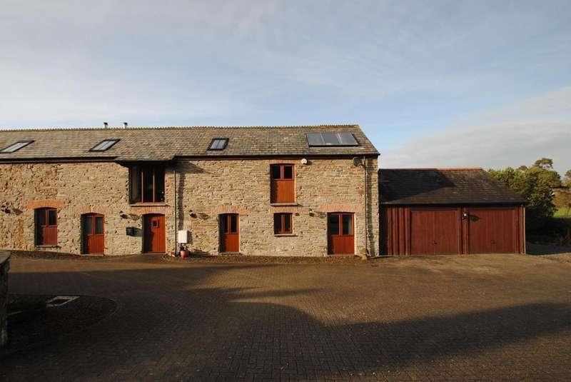3 Bedrooms Semi Detached House for sale in Yeolmbridge, Launceston