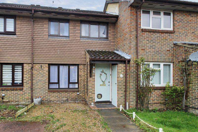 3 Bedrooms Terraced House for sale in Charrington Way, Broadbridge Heath