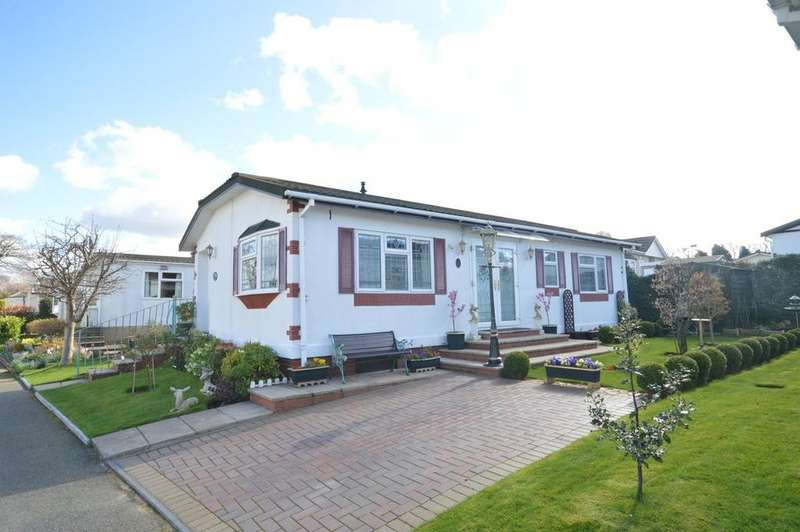 2 Bedrooms Detached Bungalow for sale in Conifer Grove, Moss Lane, Moore, Warrington