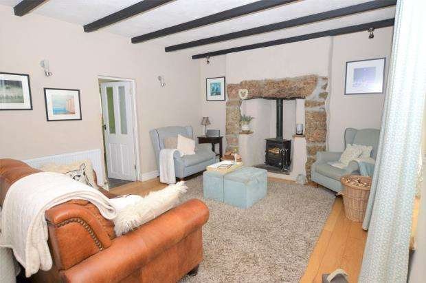 4 Bedrooms Terraced House for sale in Tolcarne Road, Beacon, Camborne, Cornwall