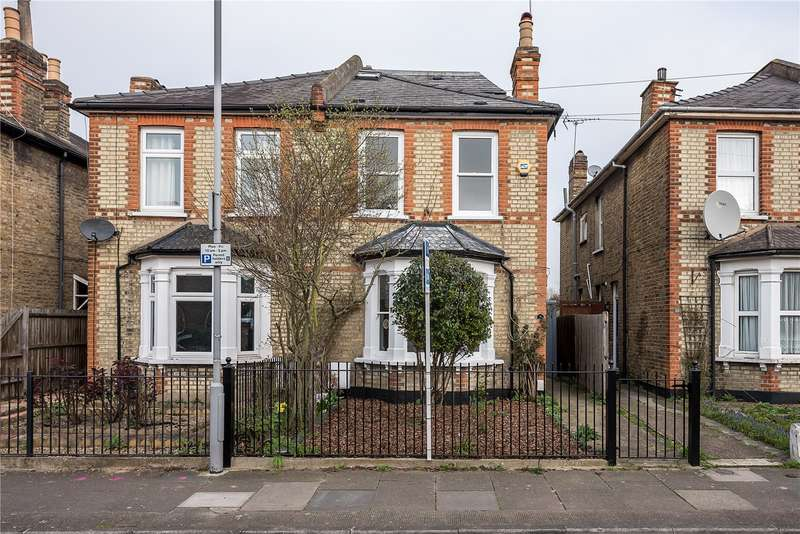 4 Bedrooms Semi Detached House for sale in Wyndham Road, Kingston upon Thames, KT2
