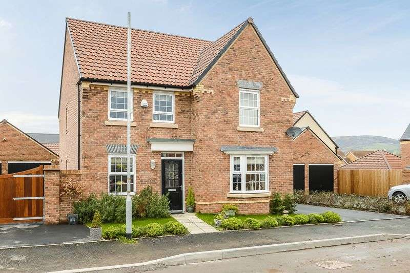 4 Bedrooms Detached House for sale in Llanfoist, Abergavenny